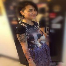 谭维维纹身花臂图片彰显个性