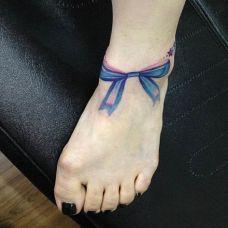 女孩脚上纹身图案图片