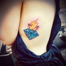 美女侧腹伤疤钻石纹身遮盖图