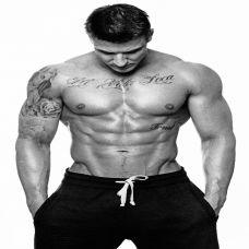 霸气肌肉型男个性纹身图片