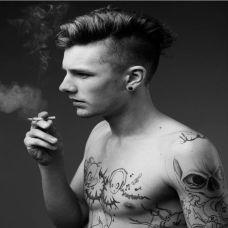 非主流帅哥手臂个性纹身图片