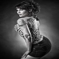 欧美性感女郎黑白纹身图片