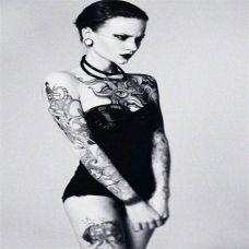 欧美短发美女个性纹身图集