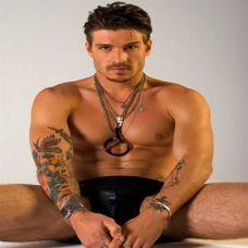 霸气肌肉型男手臂纹身图片