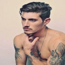 肌肉型男手臂纹身图片