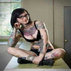 欧美性感美女彩色纹身图片