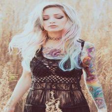 欧美美女彩色个性纹身图片