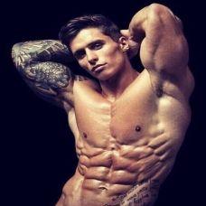 肌肉帅哥纹身图片