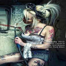 狂野欧美女郎手臂纹身图片