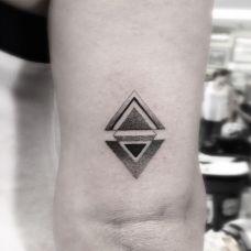 三角形纹身图案平面图片