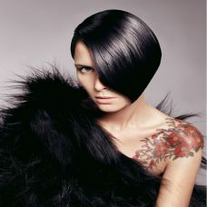 气质美女个性纹身图片