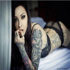 美女时尚纹身图片
