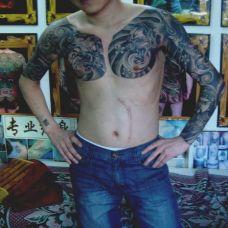 欧美型男手臂纹身图片
