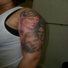 美国名师手臂纹身图片