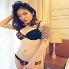 性感美女个性纹身图片