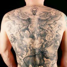 天使纹身背部图案图片