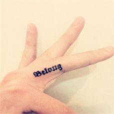 好看的女生手指英文纹身图案