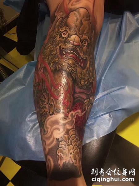 瑞兽送福,小腿唐狮彩绘纹身