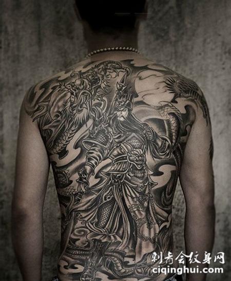 男子满背睁眼关公纹身图案图片