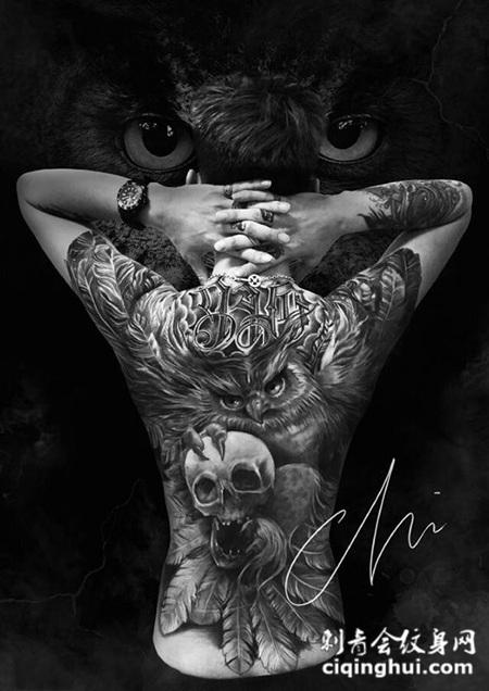 丛林霸主,满背猫头鹰与骷髅纹身图案