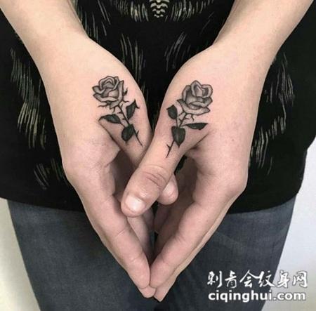 爱情花开,手指玫瑰花创意纹身