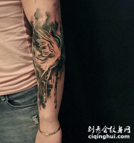 鹤舞荒野,手臂好看的丹顶鹤纹身图案