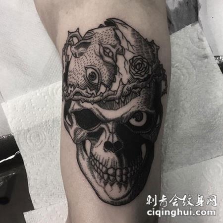 荆棘缠绕,手臂个性骷髅纹身图案