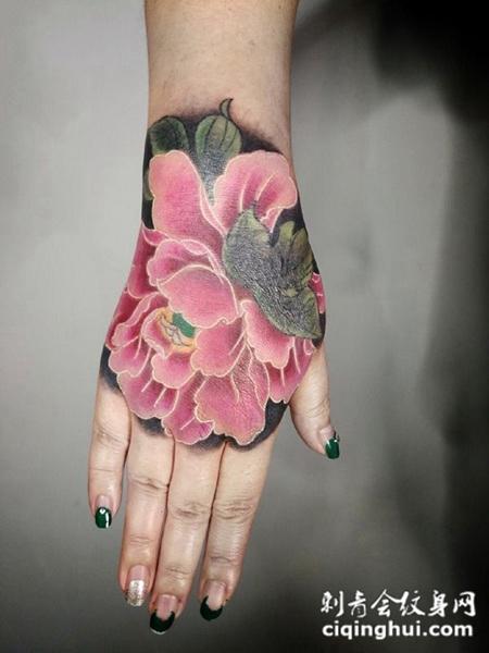 国色天香,手背好看的牡丹花彩绘纹身