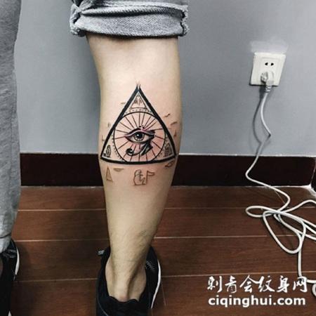 腿部荷鲁斯之眼纹身图案