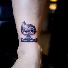 手臂卡通阿童木纹身图案