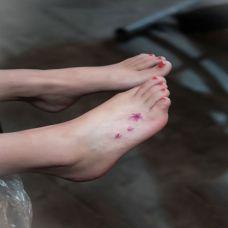 女生脚背好看的樱花纹身图案