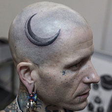 月牙弯弯,头部月亮点刺纹身