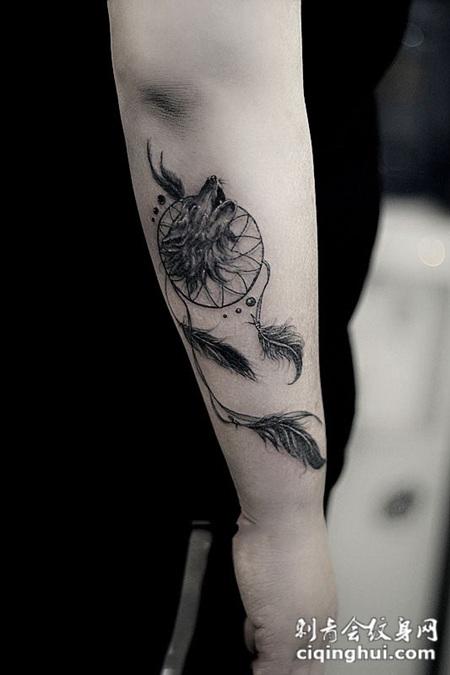 风中的梦,手臂狼头捕梦网纹身图案