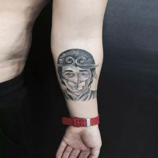 欲戴金箍,手臂至尊宝纹身图案