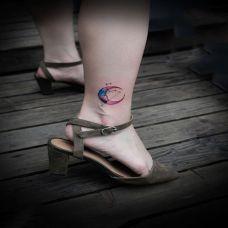 脚踝唯美月亮纹身图案