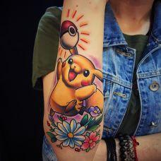 宠物小精灵,手臂皮卡丘卡通彩绘纹身