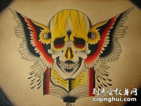 背部骷髅风筝纹身