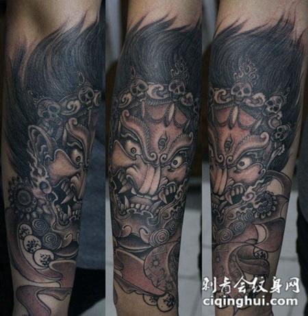 小臂上的传统大黑天纹身