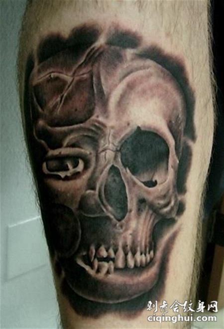 小臂上的骷髅纹身图案
