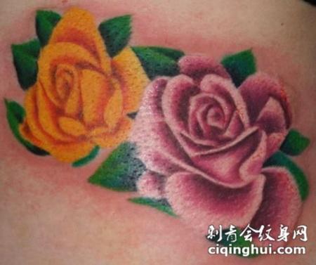 腰侧的玫瑰花纹身图案