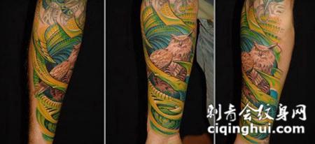 包小臂骨质猫头鹰纹身图案
