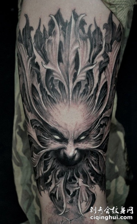 恶魔角手指纹身图片