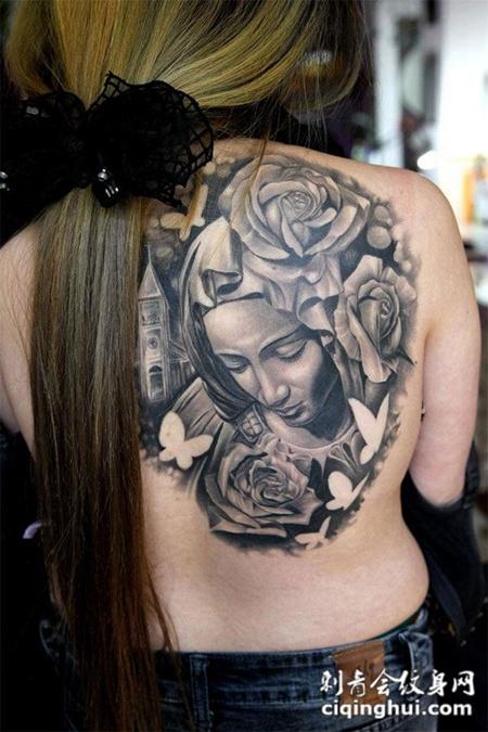 后背上的圣母玫瑰花纹身图案
