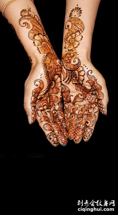 手部的海娜花图腾纹身图案
