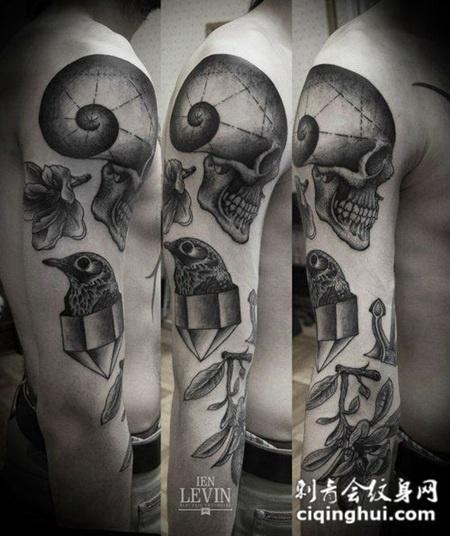 花臂骷髅鸟纹身图案