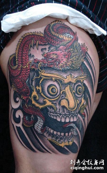 胳膊上的嘎巴拉龙纹身图片