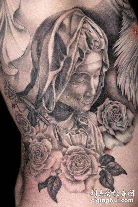 身侧的圣母玫瑰花纹身图案