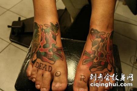 脚面上的骷髅英文纹身图案