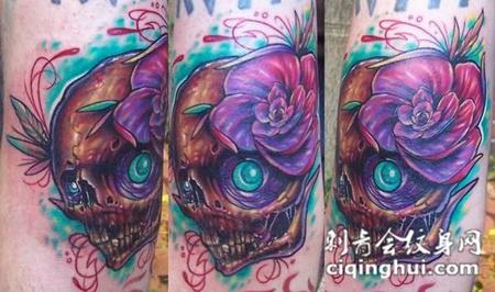 小腿上的骷髅头玫瑰花纹身图案