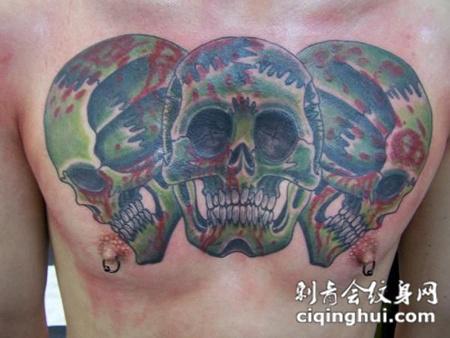 胸前的三骷髅头纹身图案